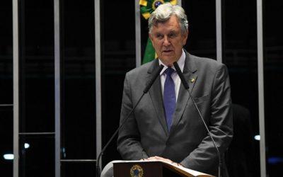 """A corrupção está reagindo"""",alerta O senador gaúcho Luis Carlos Heinze"""