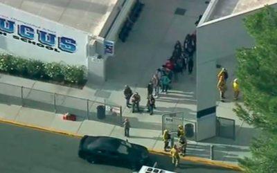 Ataque a tiros em escola na Califórnia