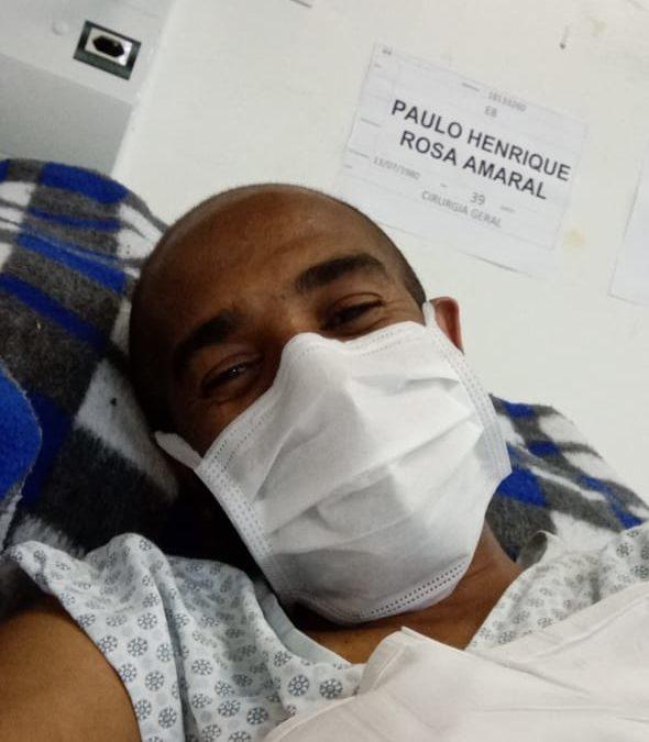 Paciente com pancreatite ia ser levado para hospital como COVID