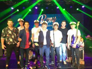 Reny e Banda Barco do Amor