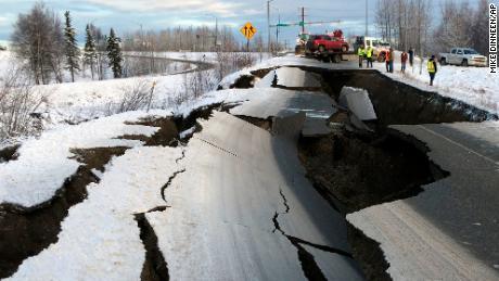 Terremoto mag 7.8 atinge Alaska