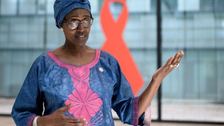 Lições  do fracasso da luta contra AIDS podem ajudar no combate à COVID-19, diz  Chefe da Unaids da ONU