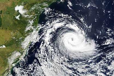 """Ciclone """"Bomba"""" faz estragos no sul do Brasil"""
