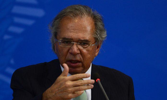 Debandada no governo,  Secretários especiais do Ministério e do Presidente do Banco Central pedem demissão