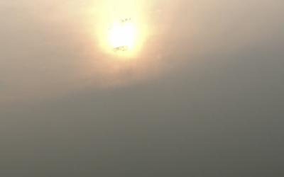 Céu da cidade de São Paulo é afetado por fumaça de incêndios; a qualidade do ar cai e pode haver chuva escura