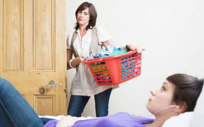 52% dos jovens adultos nos EUA vivem com os pais.  Essa é a maior participação desde a Grande Depressão