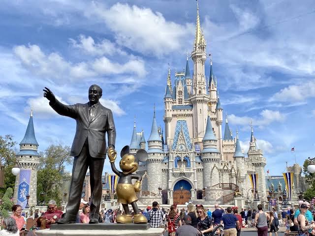 Pelo menos um quarto das demissões da Disney serão provenientes da Flórida