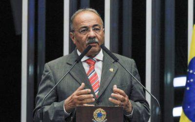 Chico Rodrigues deixa Conselho de Ética após dinheiro na cueca
