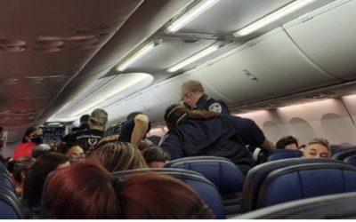 Passageiro com  covid-19 morre no avião da United – voo saiu de Orlando para Los Angeles