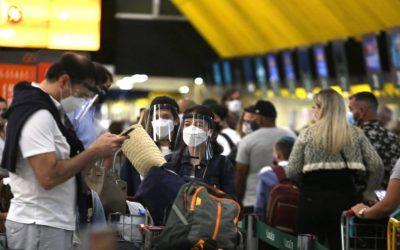 TURISMO DA VACINA: brasileiros marcam viagens em busca de imunização