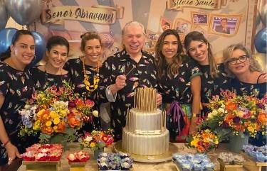Filhas de Silvio Santos comemoram vacinação do pai contra a Covid-19