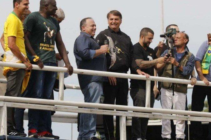 Exército decide não punir Pazuello por participar de ato com Bolsonaro