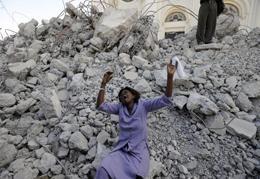 Grande terremoto no Haiti mata várias pessoas, reduz prédios a escombros